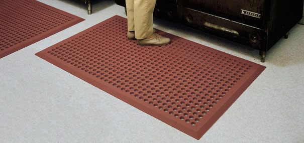 Safety mats rubber safety mats outdoors for Outdoor safety flooring