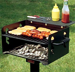 Park Grill with Adjustable Cooking Grate